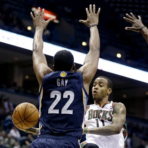 Randolph leads Grizzlies to 108-90 win over Bucks