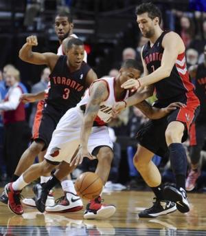 Aldridge powers Blazers past Raptors 92-74