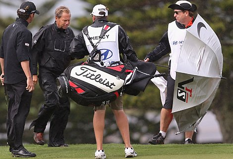 blog-pga-tour-officials.jpg