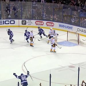 Stamkos' PP blast ties game late