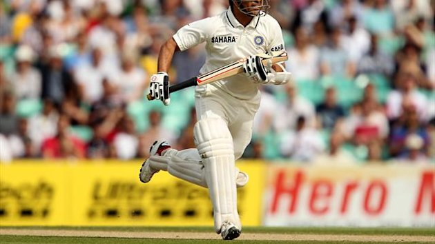 Sachin Tendulkar, pictured, compiled a 92-run stand with Murali Vijay for the third wicket
