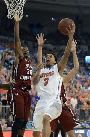 No. 4 Florida thumps South Carolina 75-36