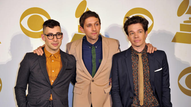 Individuality takes center stage at Grammys