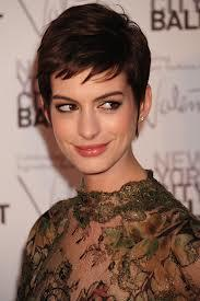 Anne Hathaway To Star With Matthew McConaughey in Christopher Nolan's 'Interstellar'
