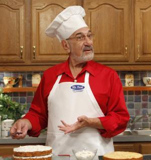 TV chef Art Ginsburg _ Mr. Food _ dies at 81