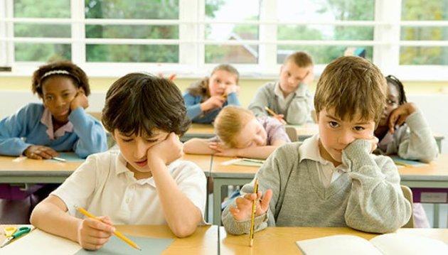 كيف تساعدين طفلك الخجول على التعامل فى المدرسة؟ 353545.jpg
