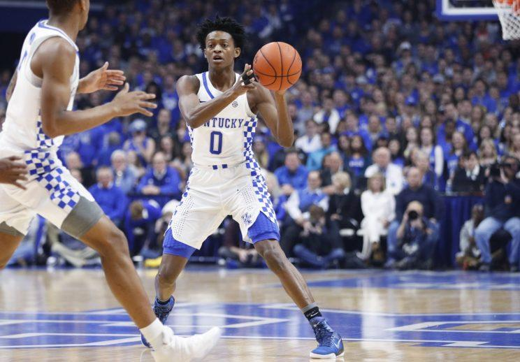 Kentucky's De'Aaron Fox injures ankle, but John Calipari says it's 'not serious'