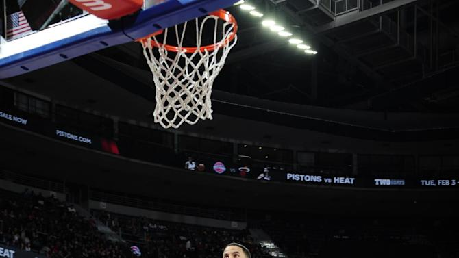 Pistons turn back Smith, Rockets in 114-101 victory