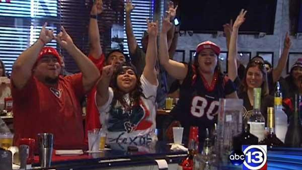 Texans win sends team to NFL playoffs