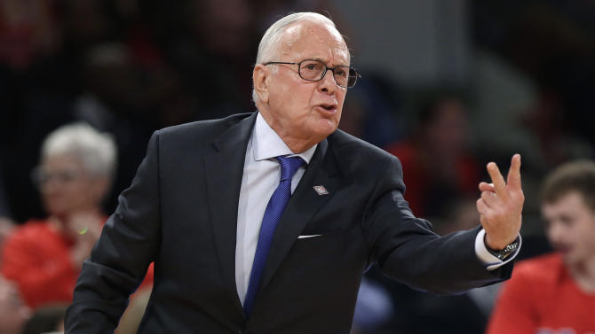 Larry Brown criticizes Knicks in radio interview