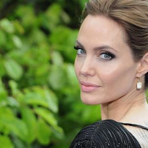 Angelina Jolie Has Ovaries Removed Over Cancer Fears