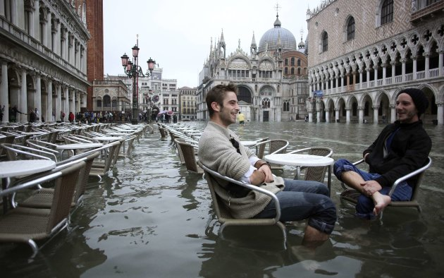 Exceptional floods leave more than half of Venice under water 2012-10-27T120209Z_2076451520_GM1E8AR1JJL01_RTRMADP_3_ITALY