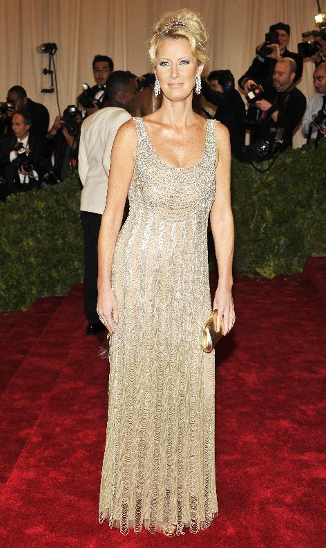 Sandra Lee arrives at the Metropolitan Museum of Art Costume Institute gala benefit, celebrating Elsa Schiaparelli and Miuccia Prada, Monday, May 7, 2012 in New York. (AP Photo/Charles Sykes)