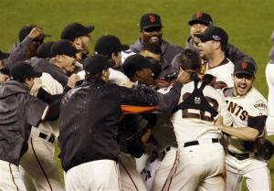 Giants on to World Series with 9-0 win over Cards