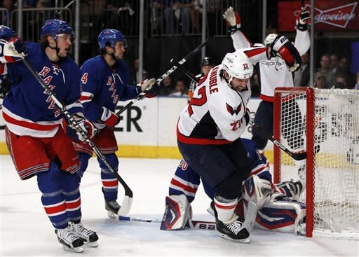 Ovechkin's late PP goal gives Caps 3-2 win