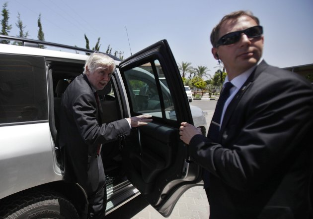 Finland's Foreign Minister Tuomioja leaves Palestinian University in Gaza City