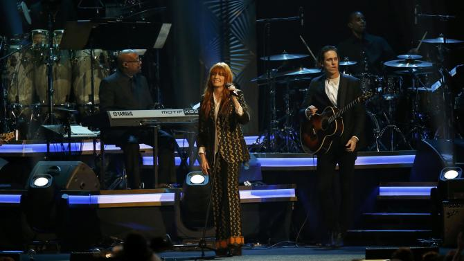 """Singer Florence Welch performs """"Dancing on the Ceiling"""" at the 2016 MusiCares Person of the Year gala in Los Angeles"""