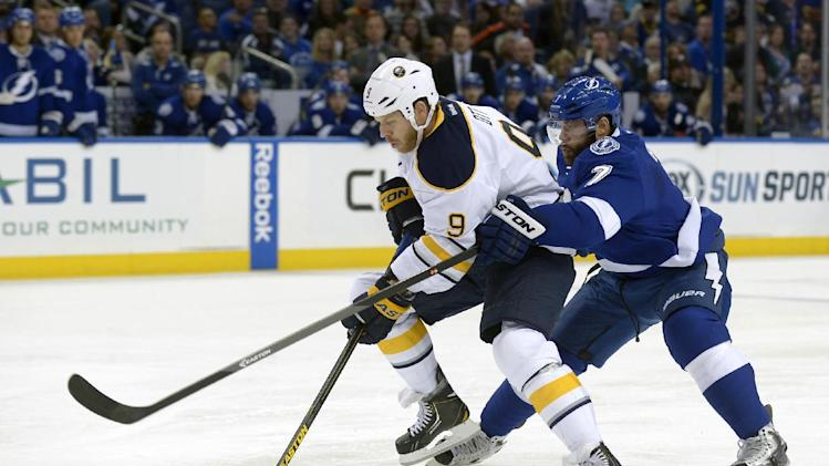 Lightning beat Sabres 3-2