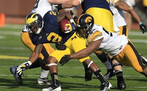 No. 23 Michigan tops Iowa 42-17 with Gardner's TDs