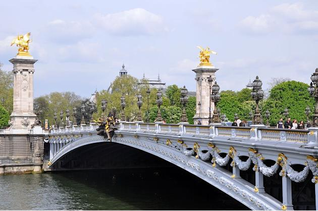 Travel Pont Alexandre III, Paris, France