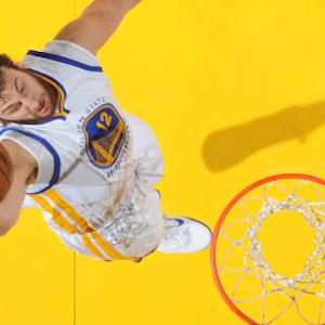 Assist of the Night: Steph Curry