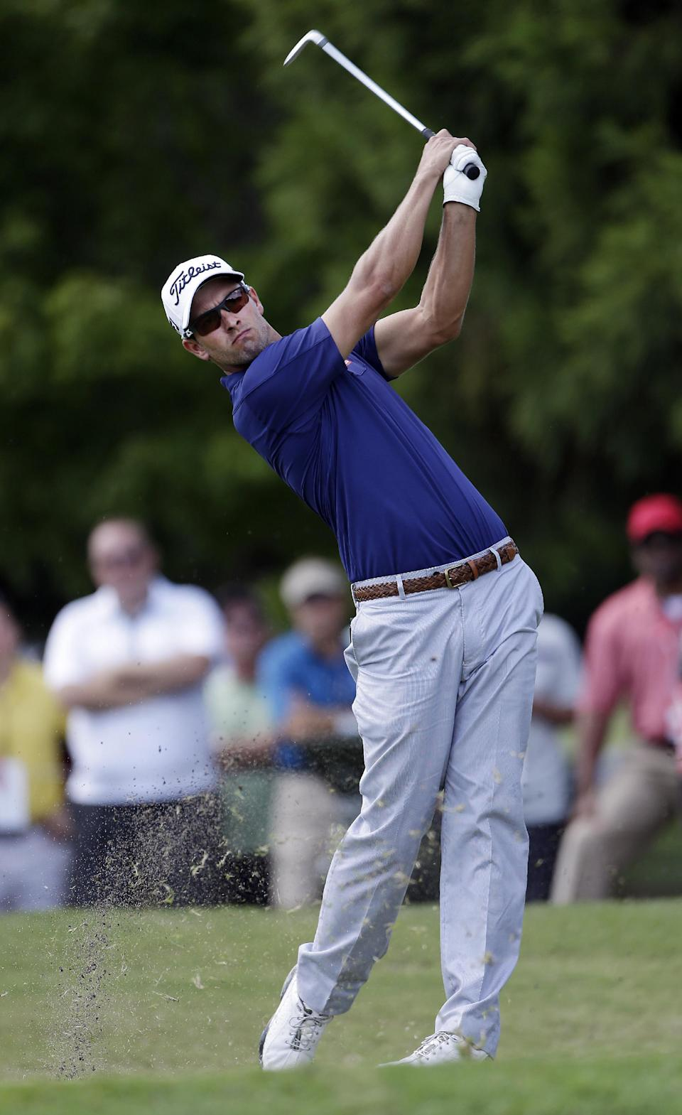 With one fewer club, Stenson takes 4-shot lead
