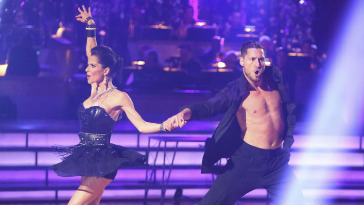 Kelly Monaco and Valentin Chmerkovskiy (10/22/12)