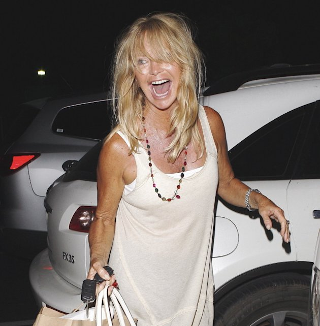 Goldie Hawn leaves Tra di Noi with a friend