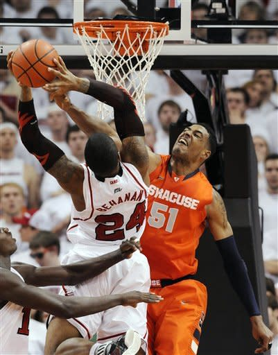 No. 2 Syracuse beats No. 19 Louisville 52-51