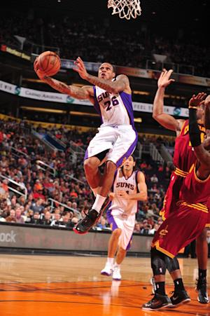 Suns rally from 26 down to beat Cavaliers 107-105