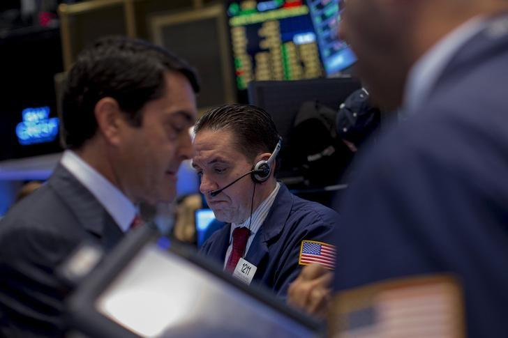 Wall St rises after release of 'dovish' Fed minutes