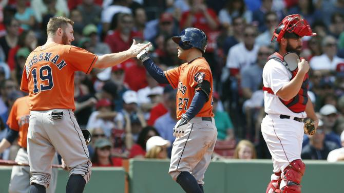 Altuve's slam lifts Astros over Red Sox