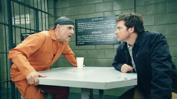 "FILE - This sept. 19, 2004 file photo released by Fox shows Jeffrey Tambor, left, and Jason Bateman in a scene from Fox's comedy ""Arrested Development.""  (AP Photo/Fox, File)"