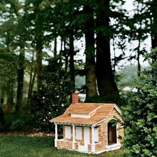 Arts and crafts bungalow doghouse