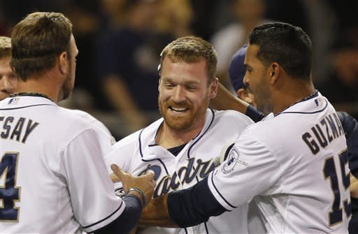 Forsythe's 1st homer lifts Padres over Giants 6-5
