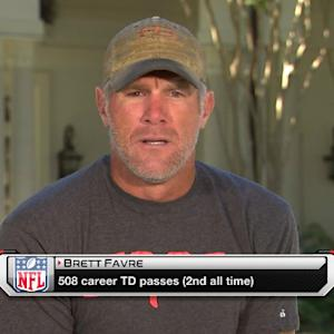 Favre wishes Peyton Manning many more TDs