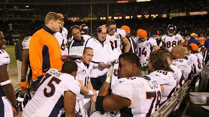 Denver Broncos v Oakland Raiders