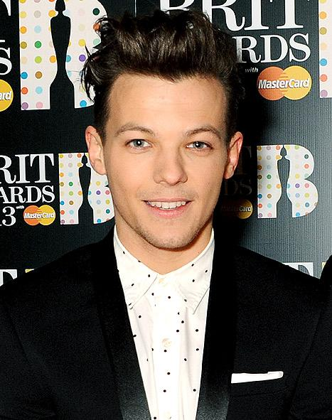 Louis Tomlinson From One Direction Gets a Teacup Tattoo: Picture