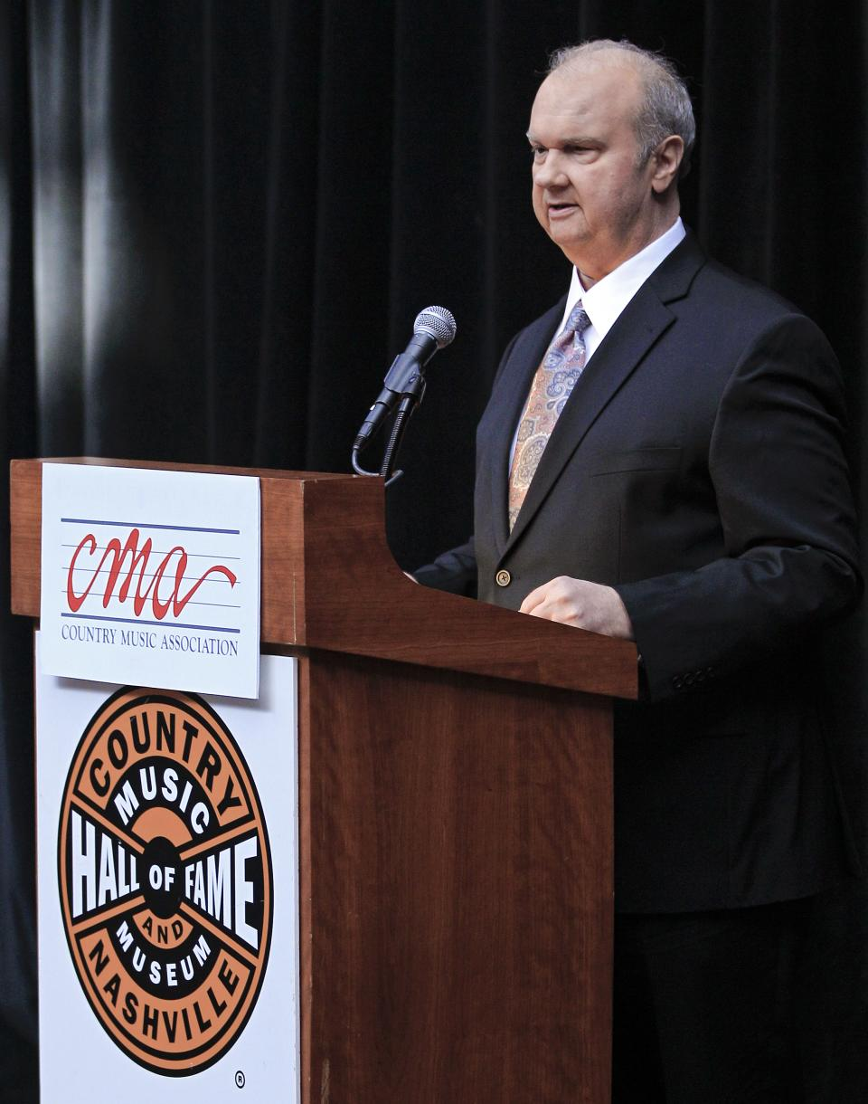 "Hargus ""Pig"" Robbins talks about his career during the announcement on Tuesday, March 6, 2012, that Robbins will be inducted into the Country Music Hall of Fame in Nashville, Tenn. Robbins, Garth Brooks, and Connie Smith will become the newest members. (AP Photo/Mark Humphrey)"