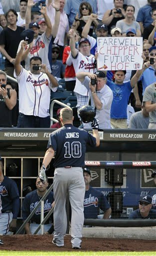 Jones gets farewell from Mets fans, Braves win