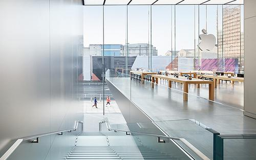 Retail Bliss: Apple Kicks Off China Surge with Massive Store in Hangzhou
