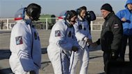 Le Canadien Chris Hadfield et deux autres astronautes ont dcoll dans la capsule russe Soyouz,  7h12, pour un voyage qui les mnera  la Station spatiale internationale (SSI)