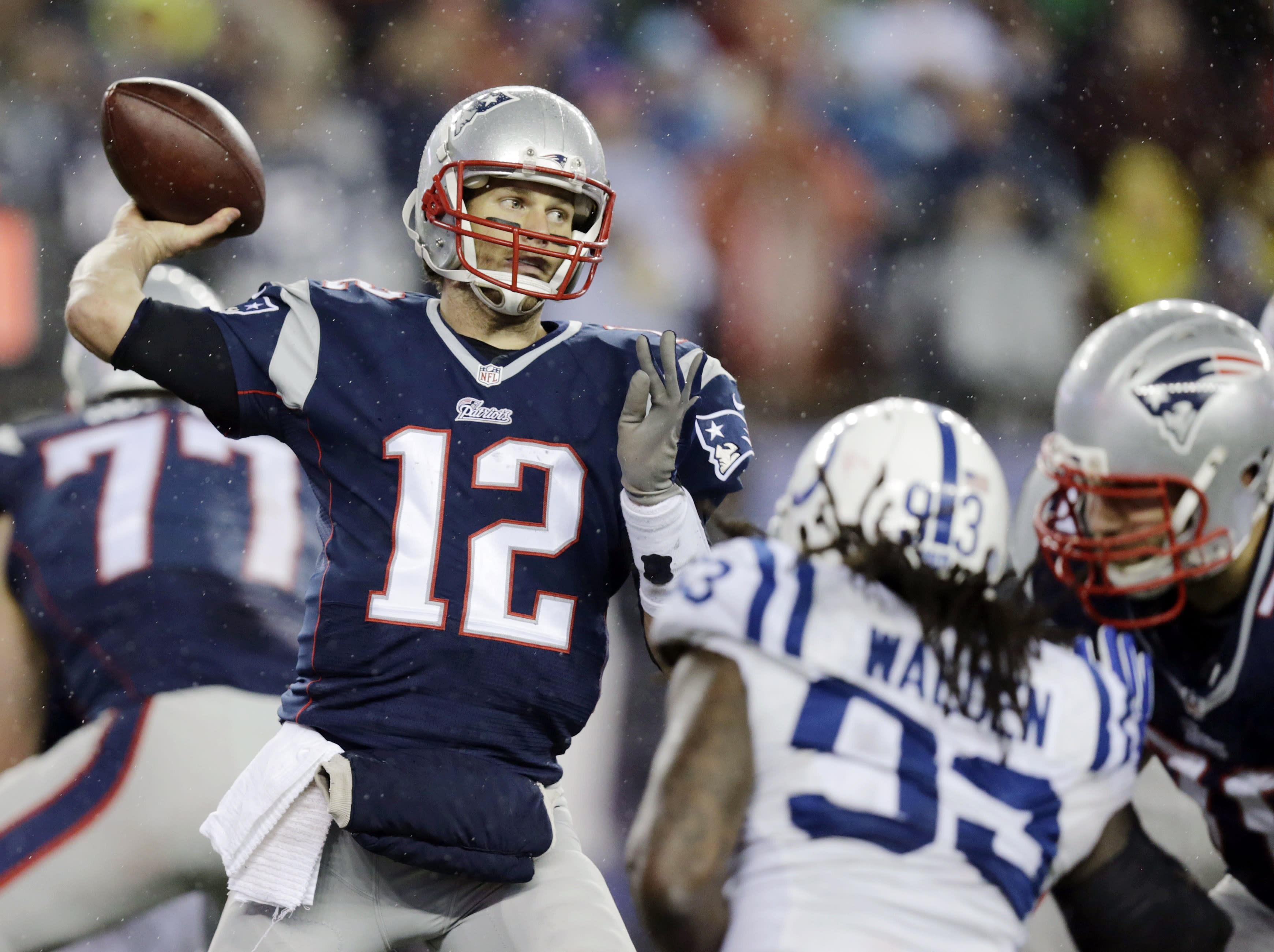 Patriots employees traded texts about deflated footballs