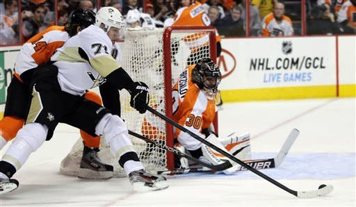 Kunitz scores twice, Penguins beat Flyers 5-4
