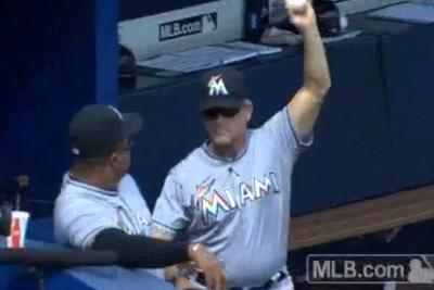 Marlins' coach doesn't need a glove, snags ripped foul ball with barehand