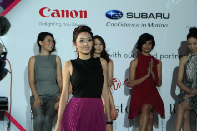 Singaporean Kyla Tan, 23, strutted the walkway confidently. (Yahoo! photo/ Deborah Choo)