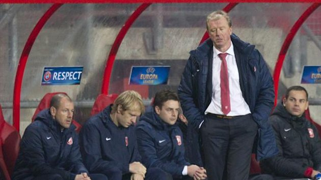 Steve McClaren on the FC Twente bench (Reuters)