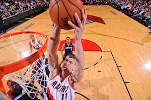 Blazers rout the Bobcats 122-105