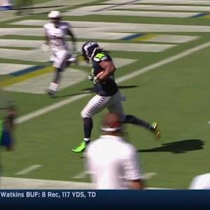Seattle Seahawks quarterback Russell Wilson finds running back Marshawn Lynch for a 14-yard touchdown pass