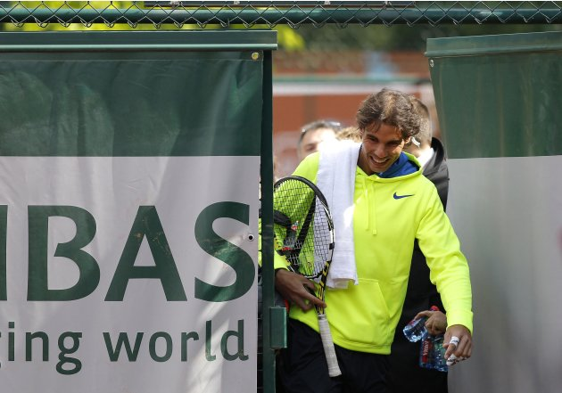 Rafael Nadal of Spain arrives for a training session at the French Open tennis tournament at the Roland Garros stadium in Paris